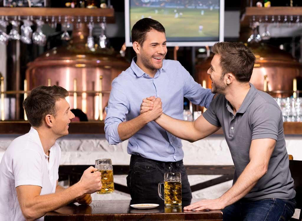 guys-men-friends-with-beer