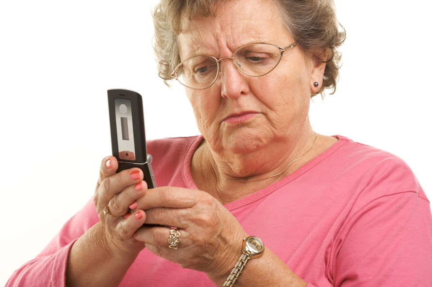 older-woman-using-cell-phone